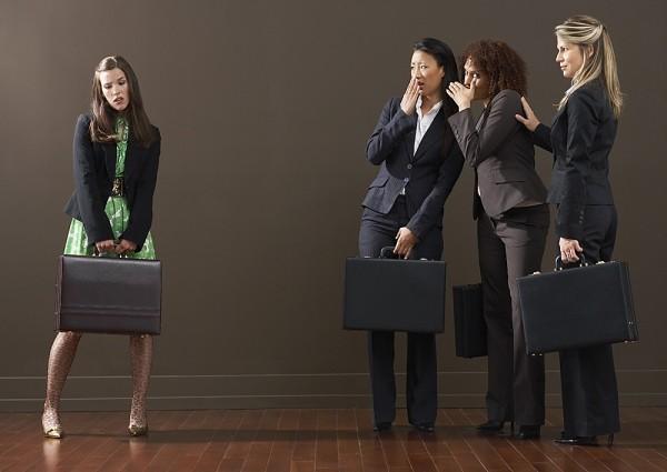 5 sai lầm khiến bạn bị coi thường nơi công sở