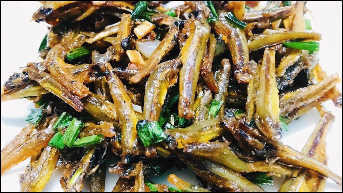 Cá cơm là nguồn cung cấp vitamin B3 và selen tuyệt vời